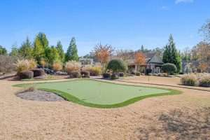 putting green at Ballantrae active adult community